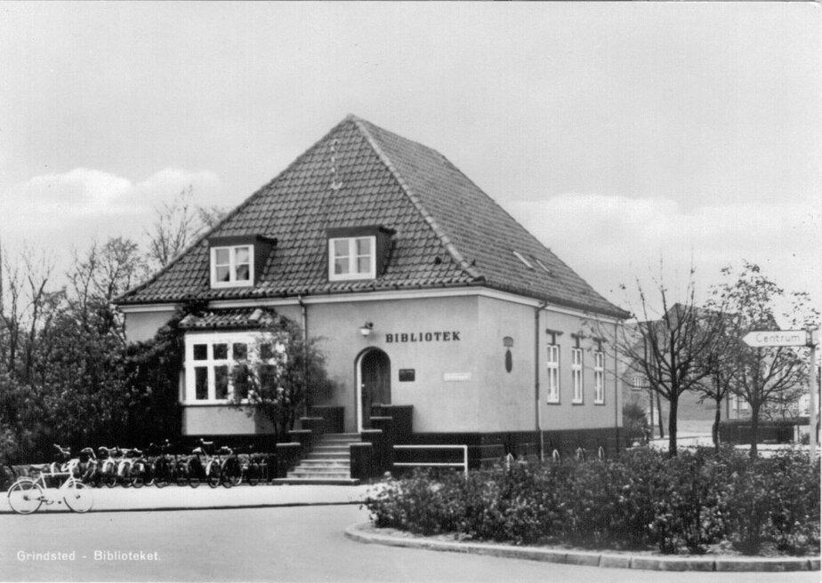 5425-bibliotek-jernbanegade-25